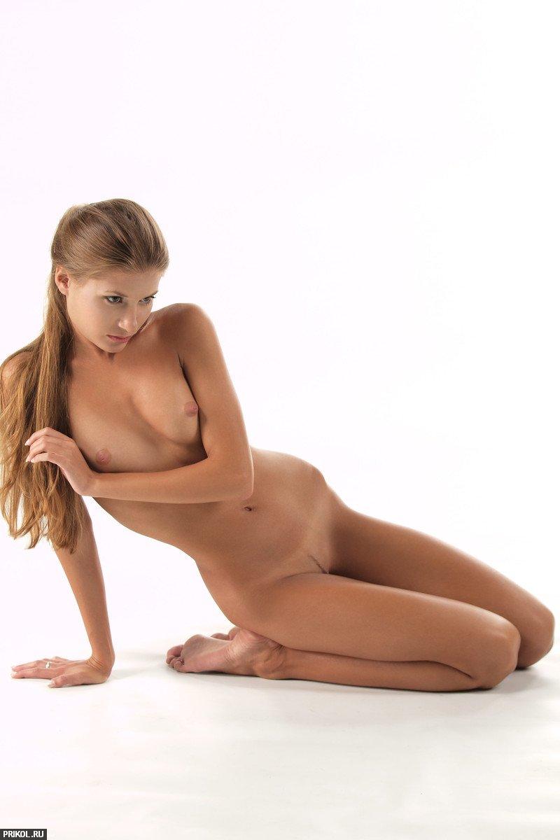 nude-girl-sofia-10