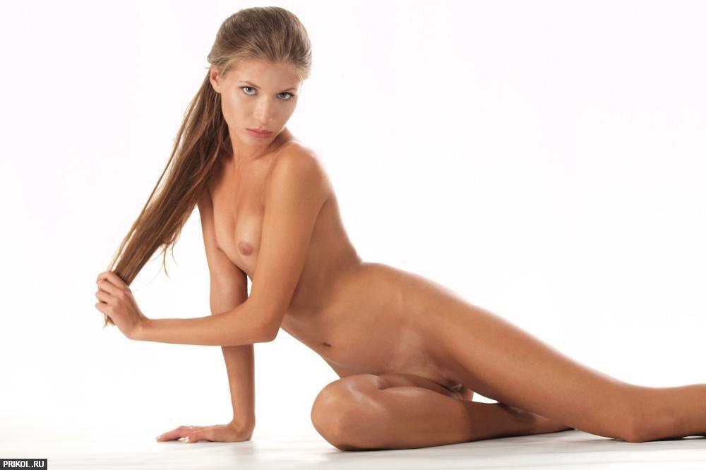 nude-girl-sofia-13