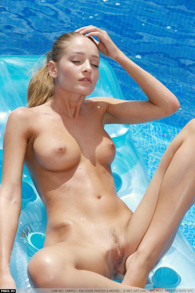nude-veronica-10