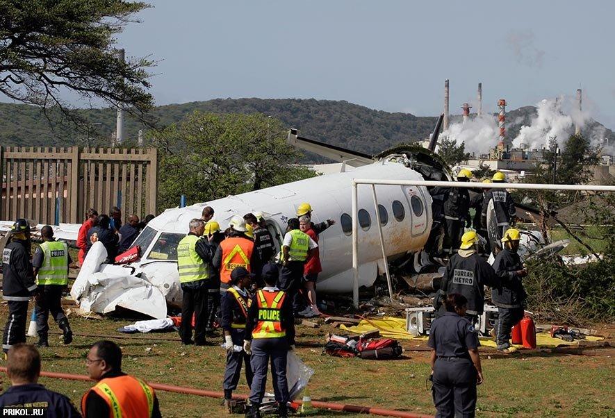 plane-crash-durban-01