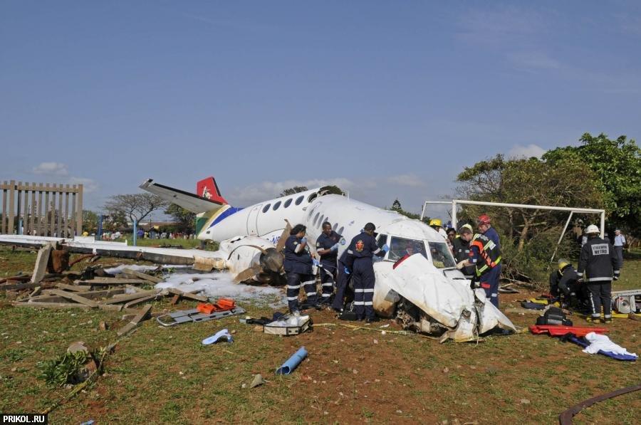 plane-crash-durban-02