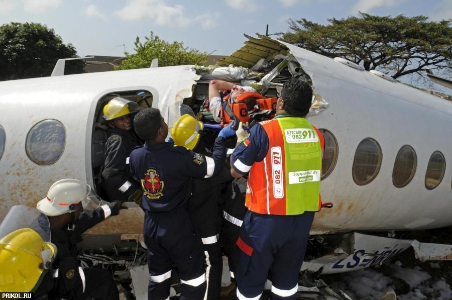 plane-crash-durban-05