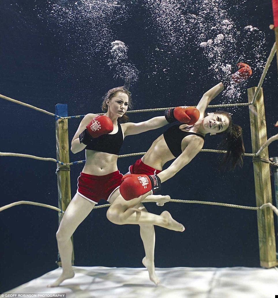 underwater-celebs-03