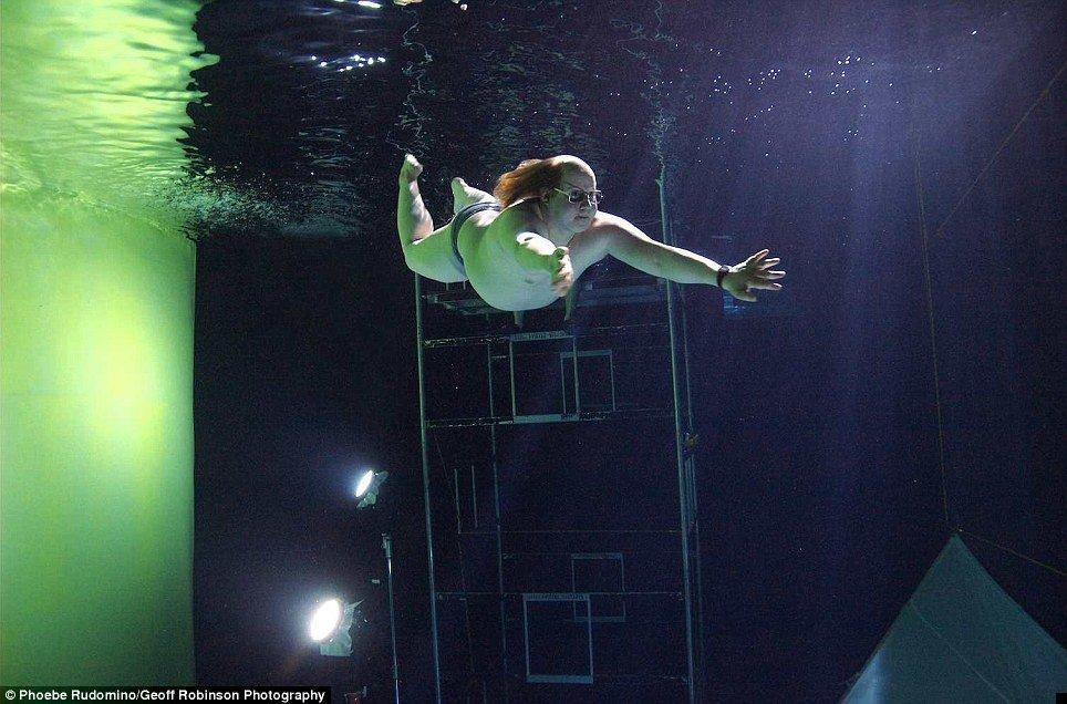 underwater-celebs-08