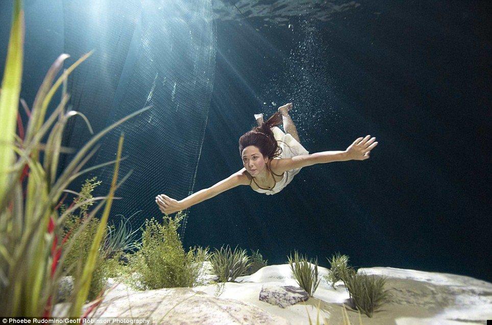 underwater-celebs-10