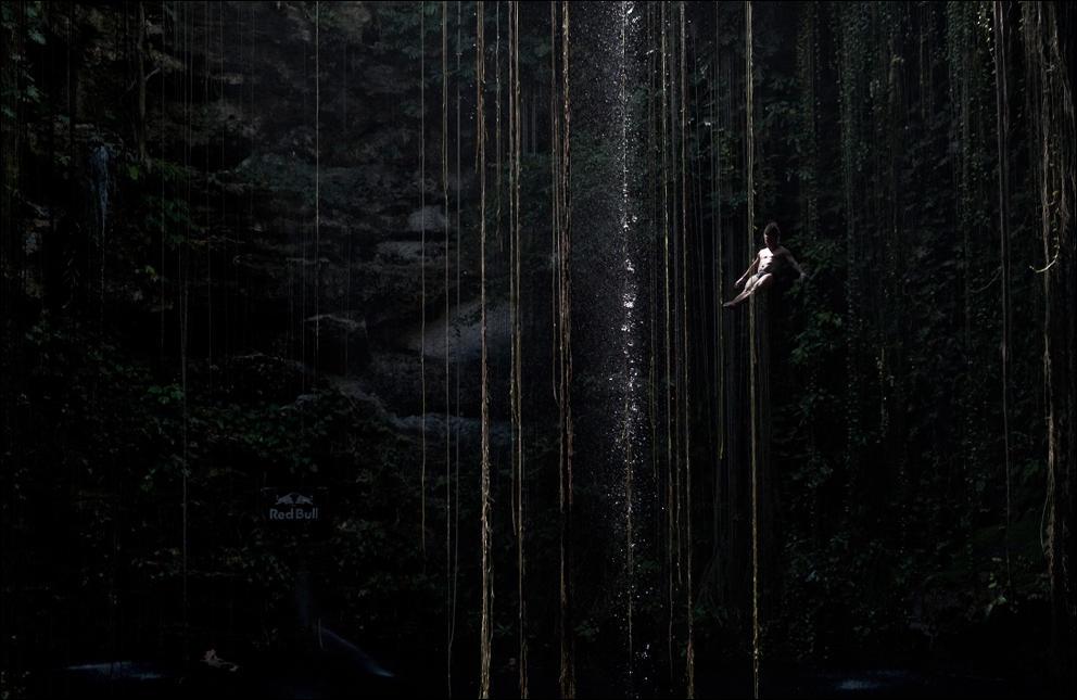 foto-prizhkov-v-vodu-nagishom