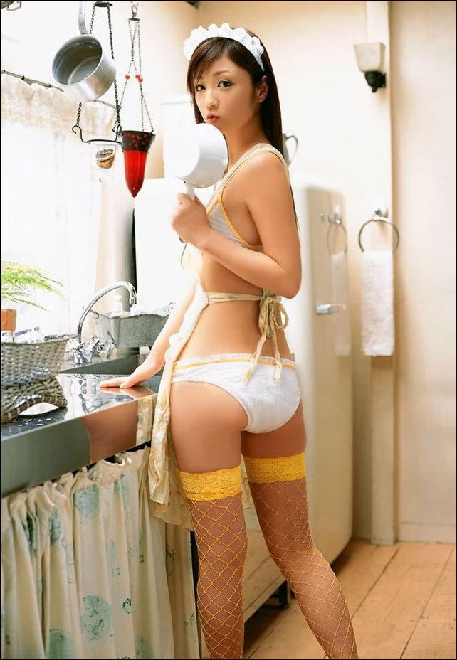 Девушки на кухне