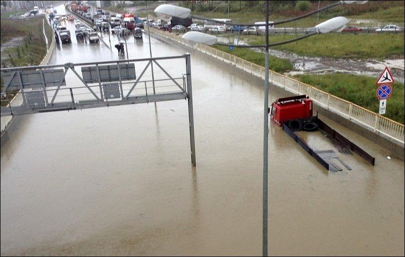 Олимпийские дороги утонули