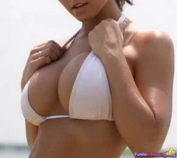 010_boobs.jpg