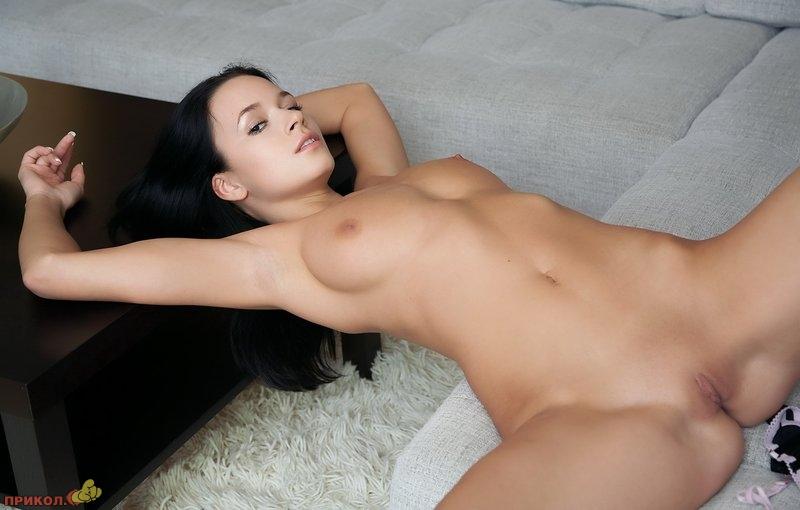 devushka_brunette_03.jpg