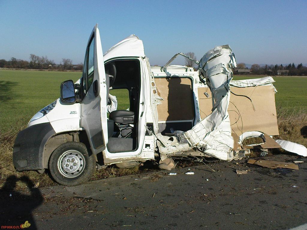 car-crash-02.jpg