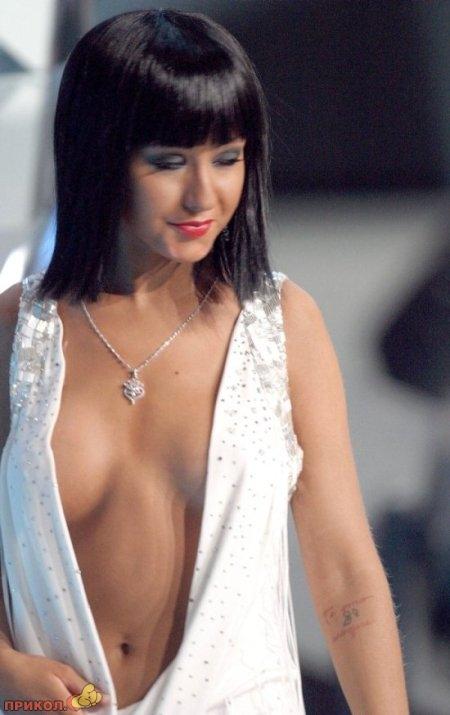 aguileras-cool-dress-01.jpg