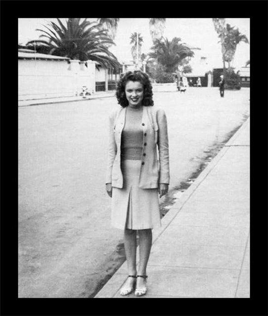 Merelin-Monroe-rare-pics08.jpg