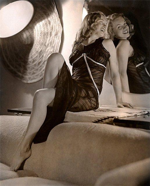 Merelin-Monroe-rare-pics09.jpg