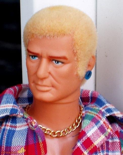 gay-doll-02.jpg