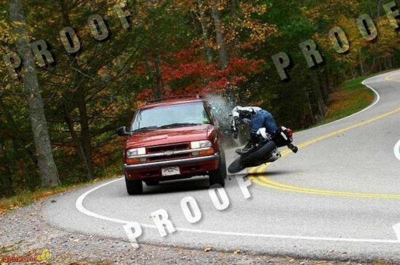 car-moto-crash-02