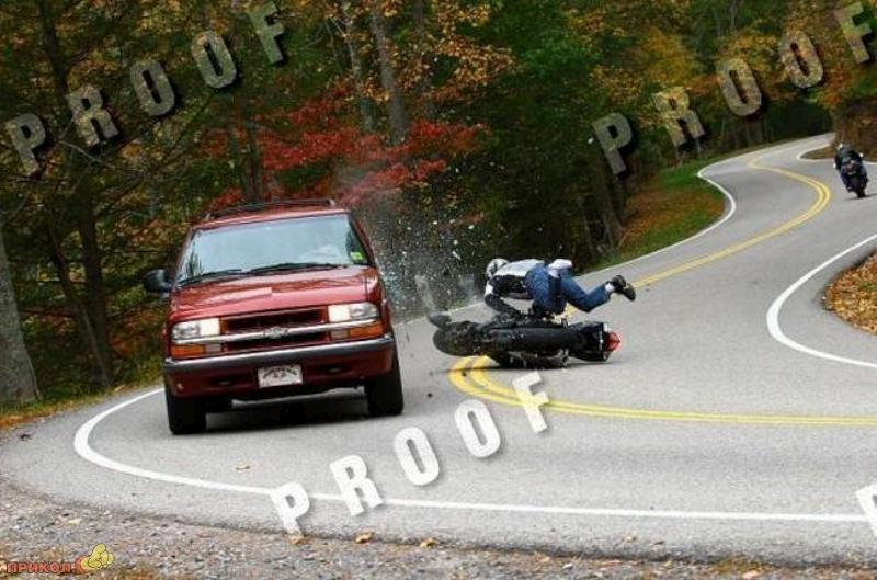 car-moto-crash-03