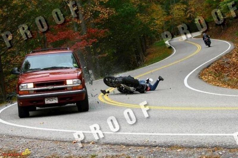 car-moto-crash-04