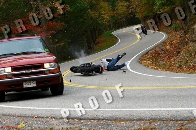 car-moto-crash-06