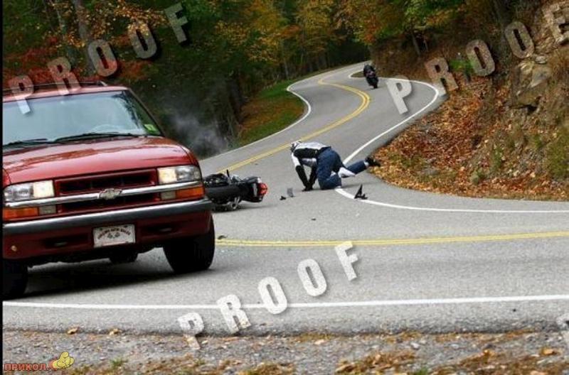 car-moto-crash-08