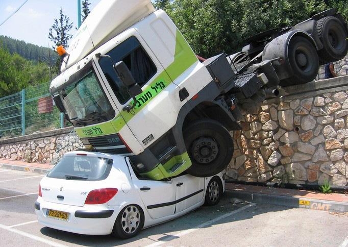 auto-crash-290309-04