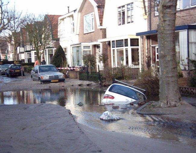 auto-crash-290309-07