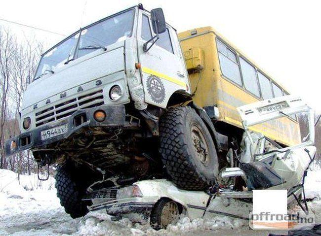 auto-crash-290309-15