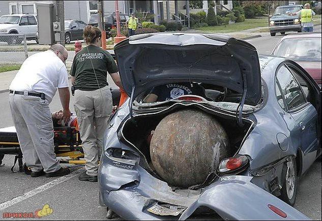 auto-crash-290309-35
