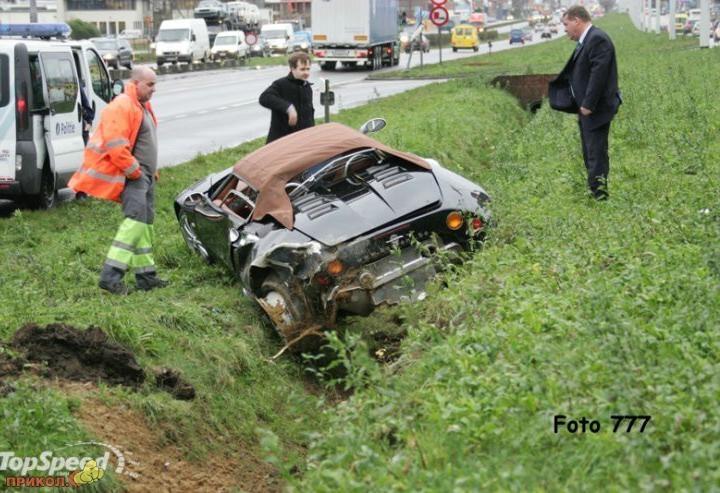 auto-crash-290309-47