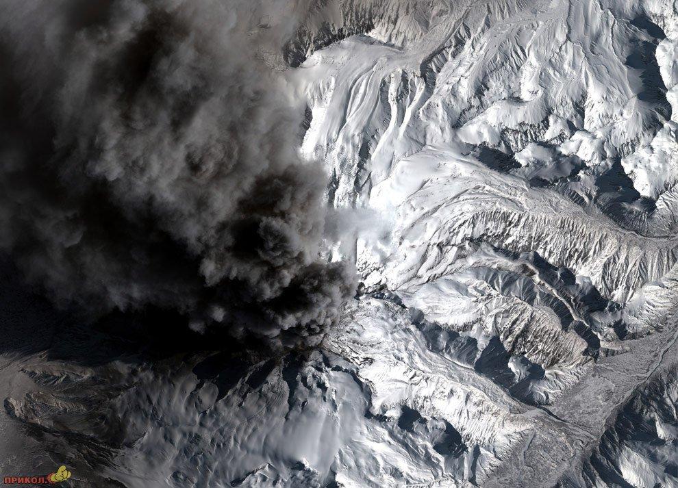 mount-redoubt-volcano-08