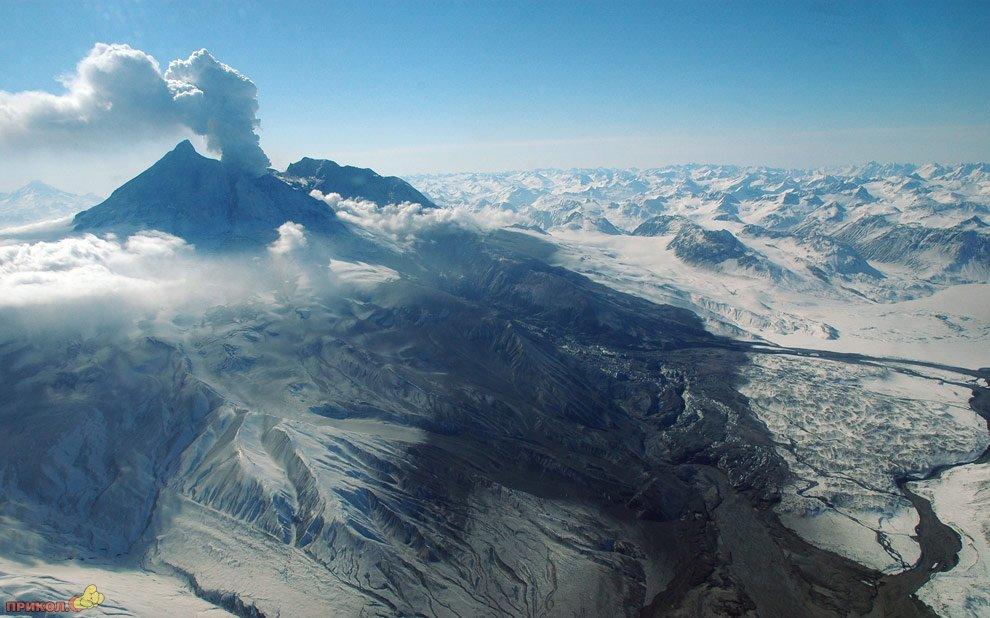 mount-redoubt-volcano-25