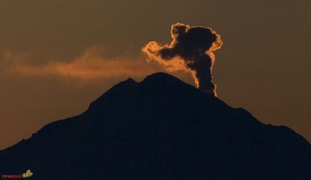 mount-redoubt-volcano-27