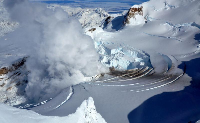 mount-redoubt-volcano-28