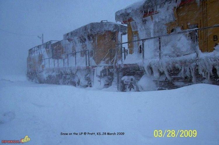 usa-snowfall-march-30