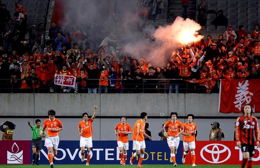 football-fans-12