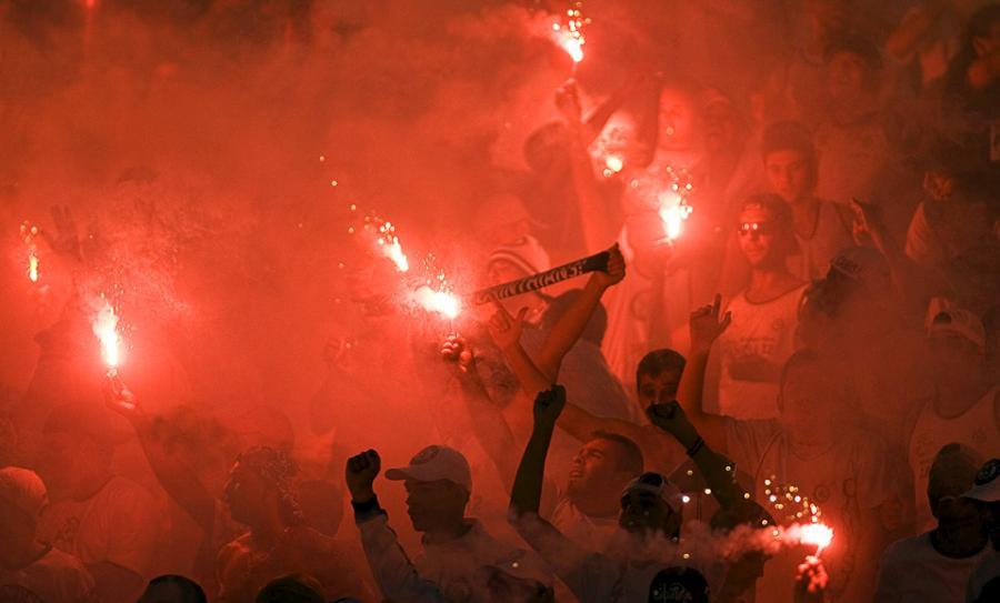 football-fans-16