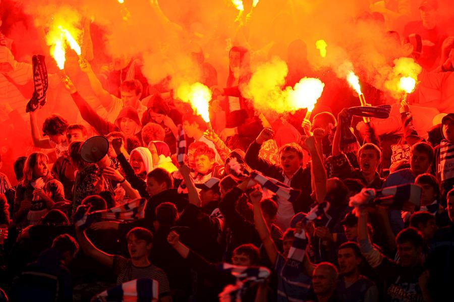 football-fans-20