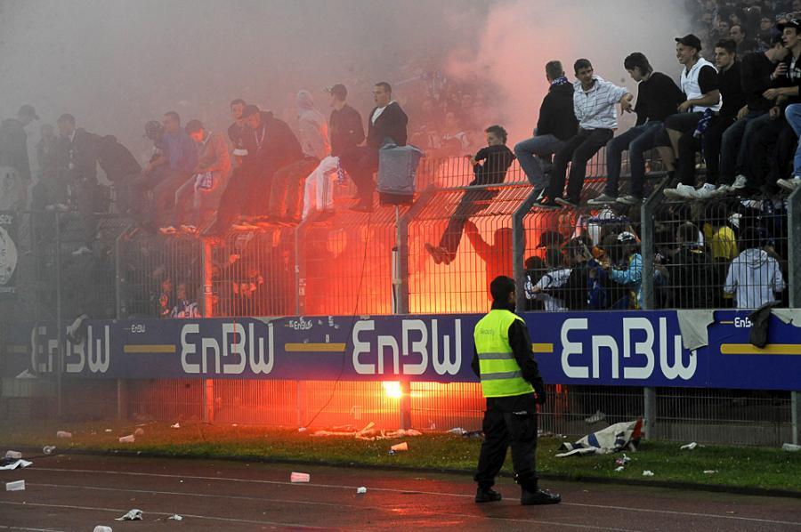 football-fans-22