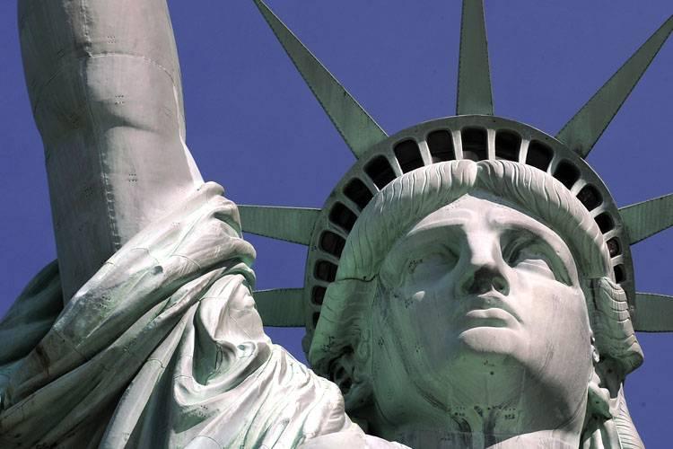 inside-liberty-statue-01