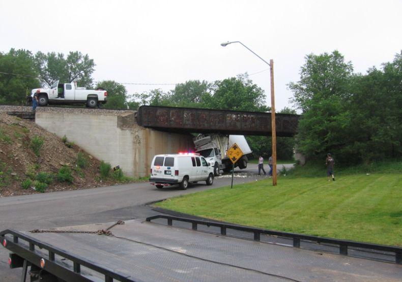 pod-mostom-02