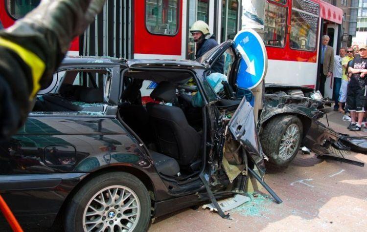 tallin-tram-accident-06