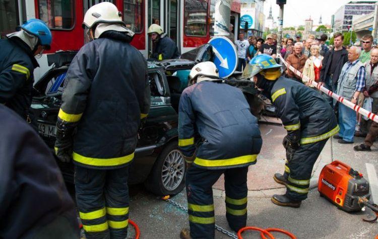 tallin-tram-accident-07