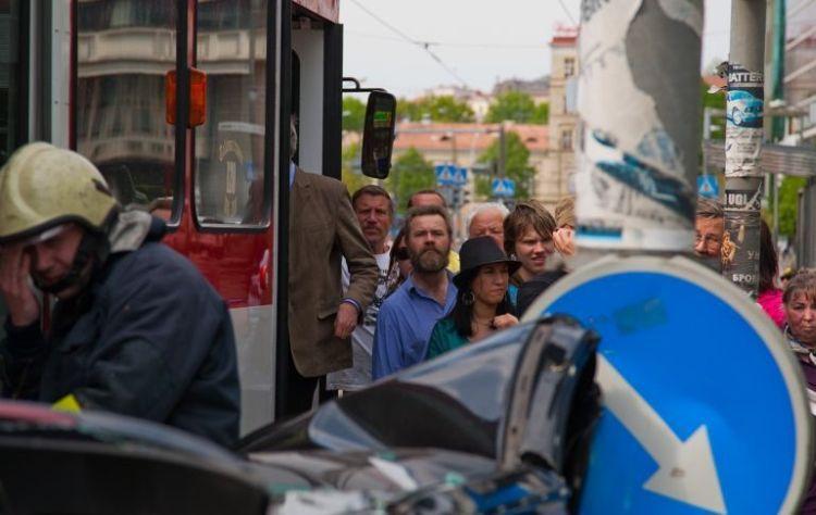 tallin-tram-accident-11