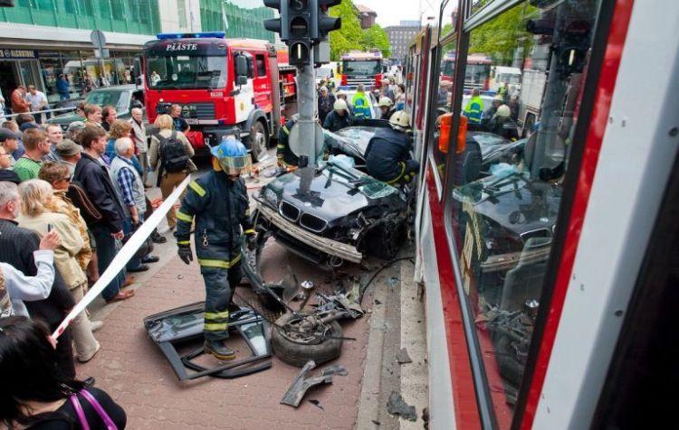 tallin-tram-accident-15