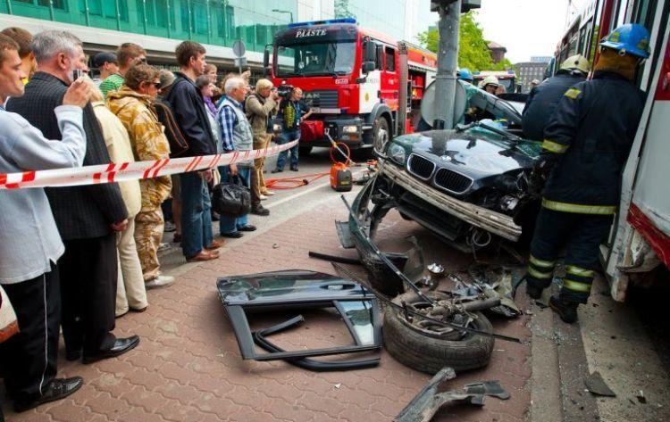 tallin-tram-accident-16