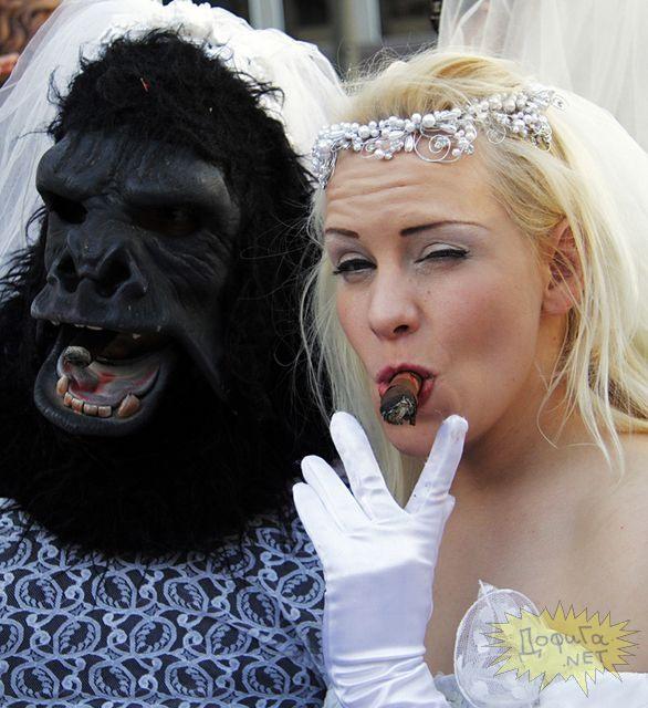 Прикольные невесты и отличные позитивные свадебные фото. Приколы