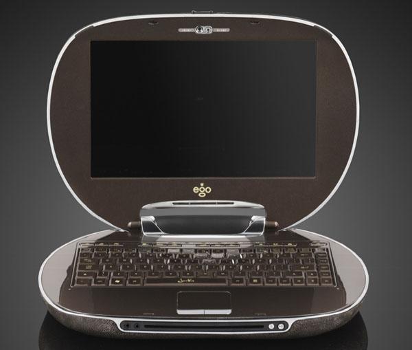 стильный ноутбук со вставками из золота и бриллиантов