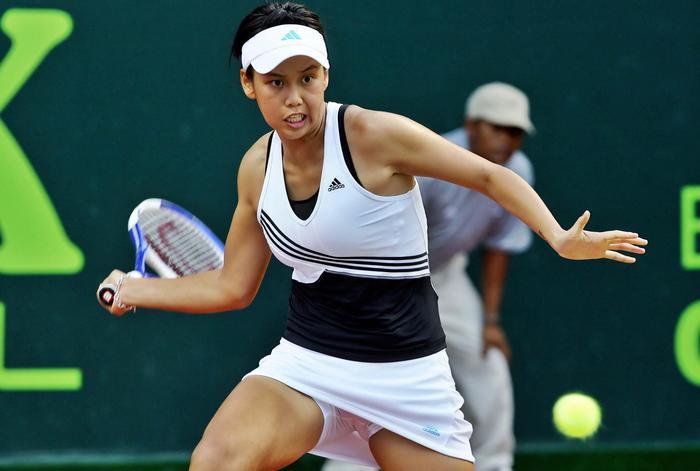 Women tennis players uniform mishaps 3