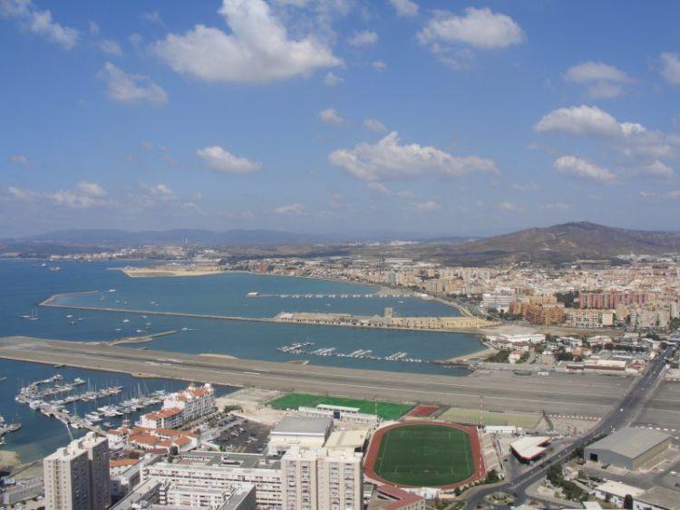 gibraltar-airport-01
