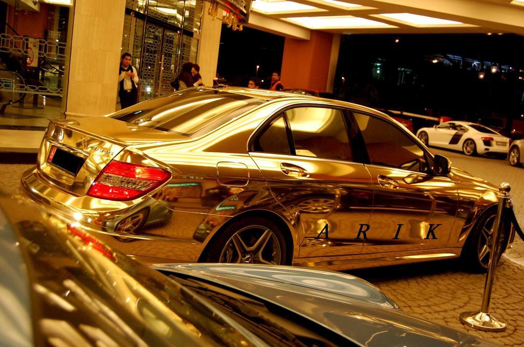 gold-mersedes-c63-08